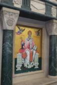 004. Икона святителя Спиридона на улице перед его храмом