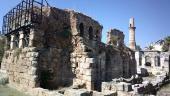 021. Развалины некогда величественного храма, потом превращенного в мечеть