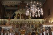 026. Внутренне убранство храма монастыря Палеокастрица