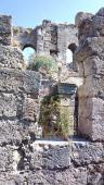 028. Развалины некогда величественного храма, потом превращенного в мечеть