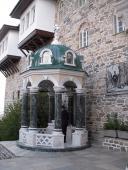 Источник у врат Свято-Пантелеимонова Монастыря