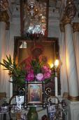 093. Старинные иконы Праведной Анны. Наверху - чудотворная