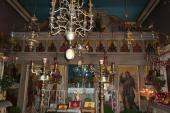 114.  Так выглядит внутреннее убранство храма монастыря Благовещения Пресвятой Богородицы (рядом с аэропортом)