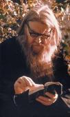 31.Отец Антипа на Святой горке читает акафисты