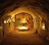 36.Богом зданные пещеры